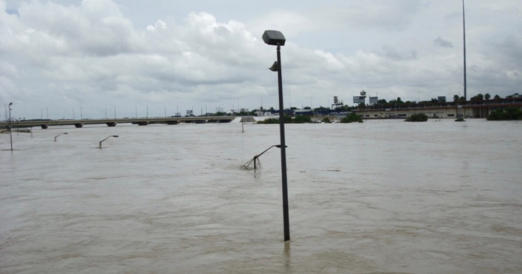 Flooding from climate change threatens Trump's border wall 1