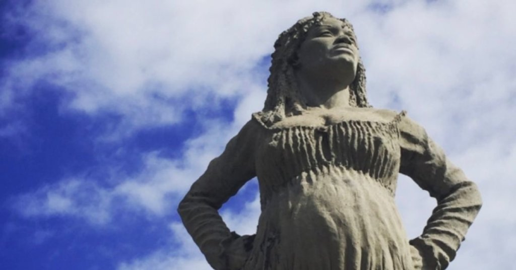 7 statues that Twitter users think are definitely better than the ones being brought down