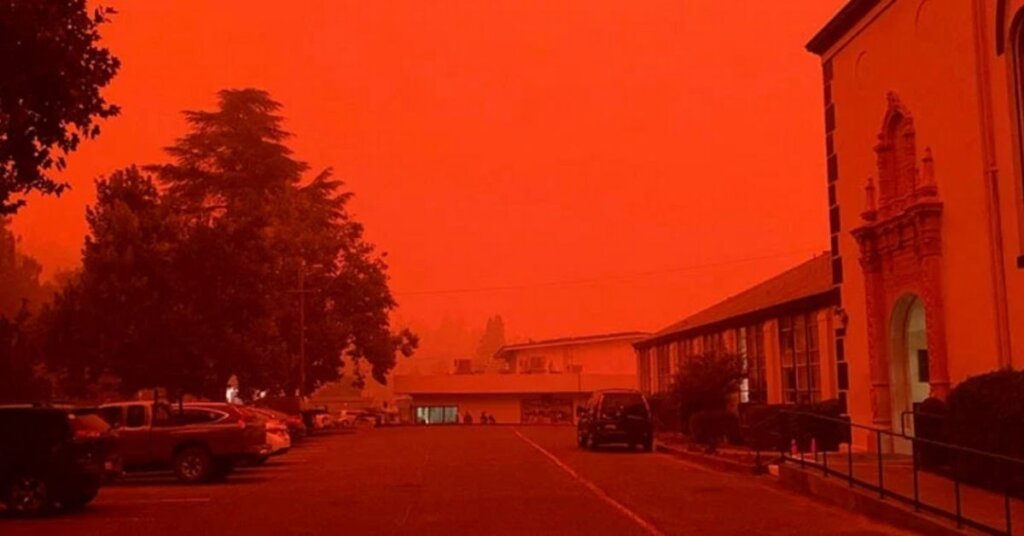 """Apocalyptic scenes in California as """"fire thunderstorms"""" drown out the sun"""