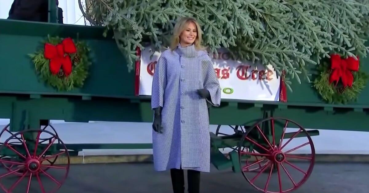 Melania welcomes the 'who gives a F*** about Christmas' Tree to the White House