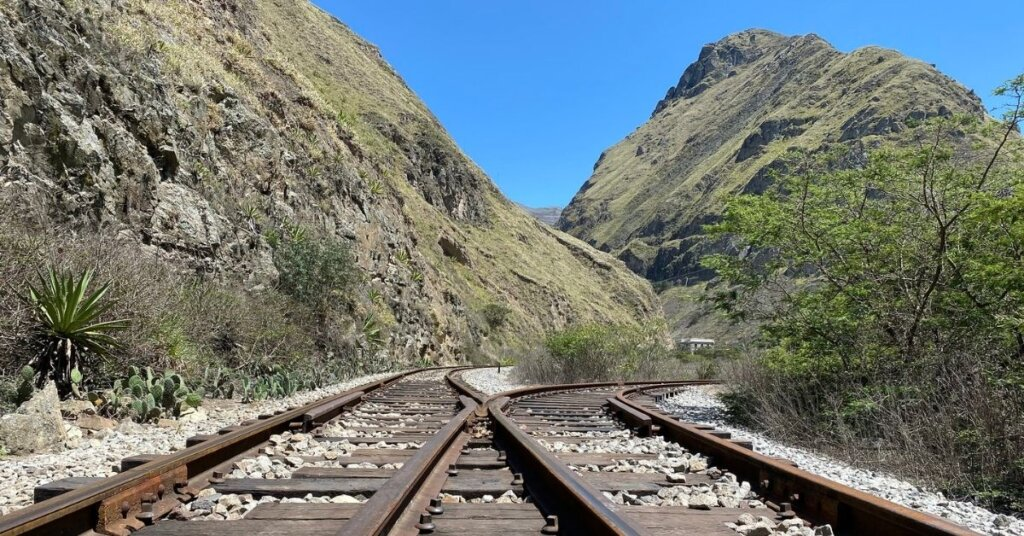 Trains tracks and mountains in Ecuador